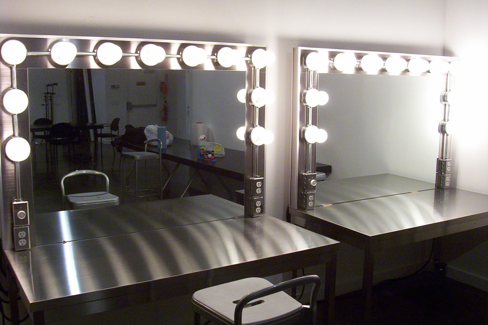 Replacement Makeup Room Lights : ControlBooth